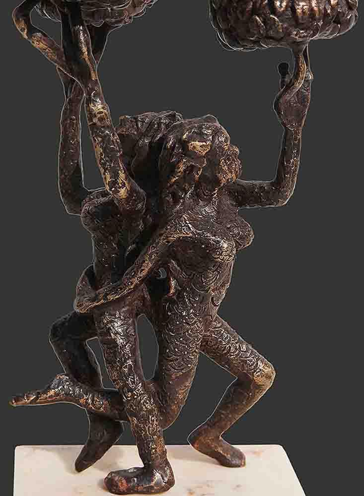 h8.5xl5.5xw4.5inchesbronze-sculpture2018a420a-detail-3-min