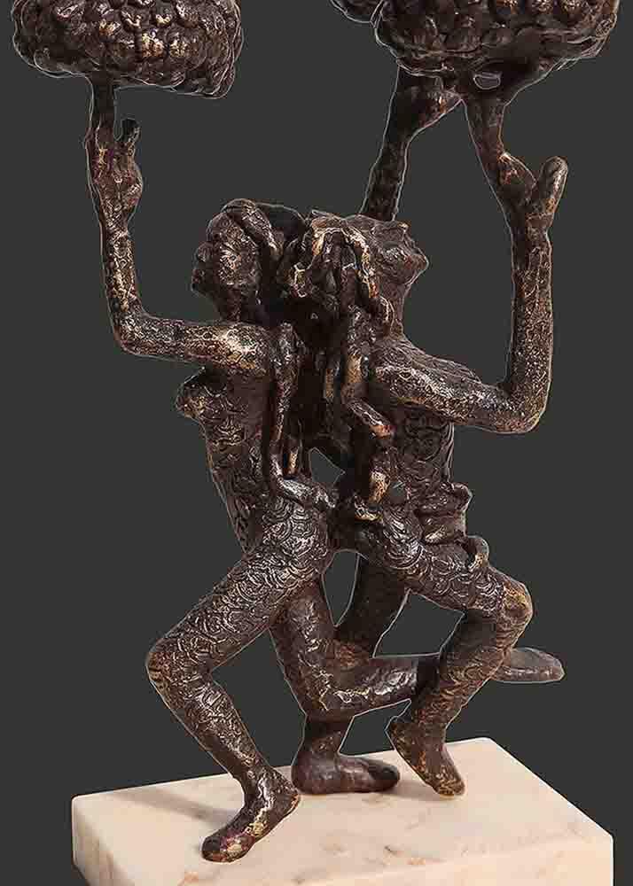 h8.5xl5.5xw4.5inchesbronze-sculpture2018a420c-detail-1-min
